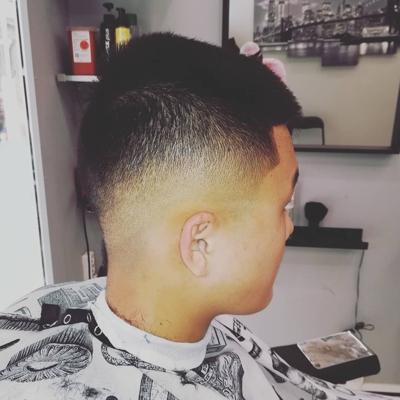 recherche model homme coiffure)